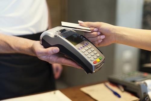 Płatności zbliżeniowe - nie tylko poniżej 50 zł